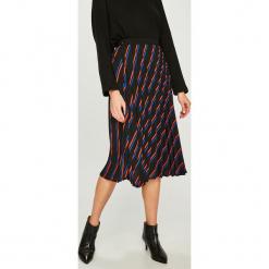 Answear - Spódnica. Szare spódniczki plisowane damskie ANSWEAR, l, z poliesteru, midi. W wyprzedaży za 119,90 zł.