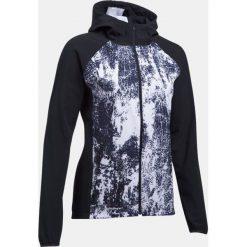 Bluzy sportowe damskie: Under Armour Bluza damska Outrun The Storm Printed czarno biała r. XS (1304715-001)