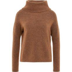 IBlues TIRO Sweter tabak. Czerwone swetry klasyczne damskie marki iBlues, l, z materiału. Za 789,00 zł.