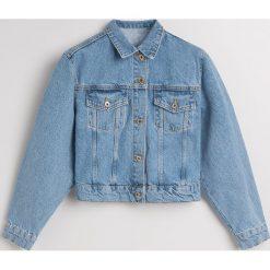 Krótka jeansowa kurtka - Niebieski. Niebieskie kurtki damskie jeansowe marki Reserved. Za 139,99 zł.