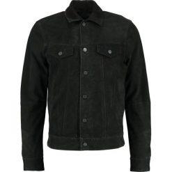 Replay Kurtka skórzana black. Czarne kurtki męskie bomber Replay, m, z materiału. W wyprzedaży za 1054,50 zł.
