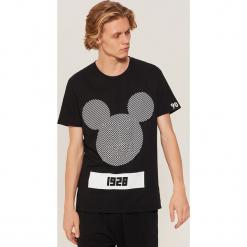 T-shirt Mickey Mouse - Czarny. Czarne t-shirty męskie marki House, l, z nadrukiem. Za 49,99 zł.