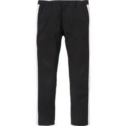 Spodnie garniturowe z paskiem z boku Slim Fit Straight bonprix czarny. Czarne rurki męskie marki bonprix. Za 99,99 zł.