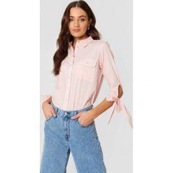 Rut&Circle Koszula z kieszonkami Nicole - Pink. Różowe koszule wiązane damskie marki Rut&Circle, z długim rękawem. Za 121,95 zł.