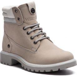 Trapery WRANGLER - Creek WL182500 Ice 91. Szare buty zimowe damskie Wrangler, z nubiku. W wyprzedaży za 279,00 zł.