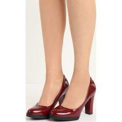 Bordowe Czółenka Empress. Czerwone buty ślubne damskie Born2be, z okrągłym noskiem, na niskim obcasie, na obcasie. Za 59,99 zł.