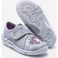 Superfit - Tenisówki dziecięce. Szare buty sportowe dziewczęce marki Superfit, z gumy. W wyprzedaży za 99,90 zł.
