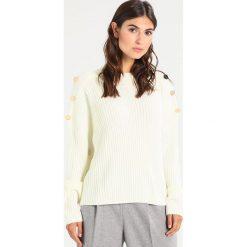 Swetry klasyczne damskie: MARCIANO LOS ANGELES Sweter optic white