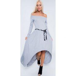 Sukienka maxi asymetryczna jasnoszara 3702. Szare sukienki marki Mohito, l, z asymetrycznym kołnierzem. Za 89,00 zł.