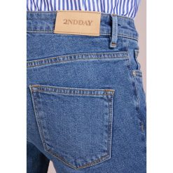 2nd Day SALLY CROPPED PICAROON  Jeans Skinny Fit indigo stone enzyme. Niebieskie boyfriendy damskie 2nd Day. Za 589,00 zł.