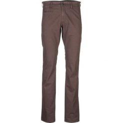 """Spodnie chino """"Steve"""" - Slim fit - w kolorze khaki. Brązowe rurki męskie Otto Kern, w kropki. W wyprzedaży za 172,95 zł."""