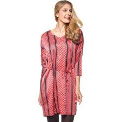 Sukienki hiszpanki: Sukienka w kolorze koralowo-czarnym