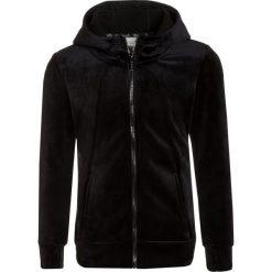 Bench GIRLS HOODY Kurtka z polaru black. Czarne kurtki chłopięce Bench, z elastanu. W wyprzedaży za 149,40 zł.