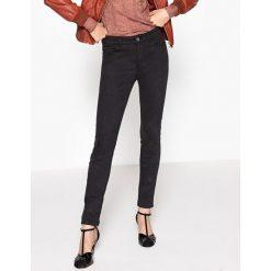 Dżinsy skinny. Szare jeansy damskie marki La Redoute Collections, m, z bawełny, z kapturem. Za 70,52 zł.