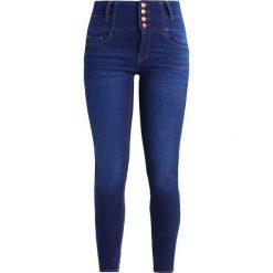 New Look LADYBIRD Jeans Skinny Fit bright blue. Czarne jeansy damskie marki New Look, z materiału, na obcasie. W wyprzedaży za 125,10 zł.