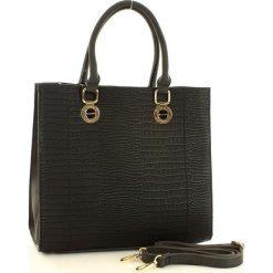 MONNARI Elegancka torebka ze zwierzęcym printem czarny. Czarne kuferki damskie Monnari, w geometryczne wzory, ze skóry, na ramię, z tłoczeniem. Za 169,00 zł.