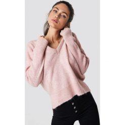 Trendyol Sweter Punched - Pink. Szare swetry klasyczne damskie marki Mohito, l, z asymetrycznym kołnierzem. Za 80,95 zł.