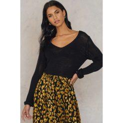 Swetry klasyczne damskie: Rut&Circle Sweter Nova – Black