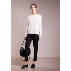 Swetry klasyczne damskie: BOSS CASUAL INANNAY Sweter open white