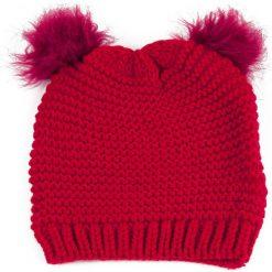 Czapka damska Kocie figle czerwona (cz13126). Czerwone czapki zimowe damskie Art of Polo. Za 28,94 zł.