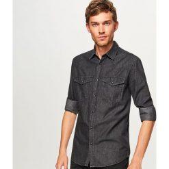 Jeansowa koszula regular fit - Czarny. Czarne koszule męskie jeansowe Reserved, l. Za 99,99 zł.