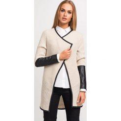 Kardigany damskie: Beżowy Stylowy Sweter Narzutka z Dodatkiem Eco-Skóry
