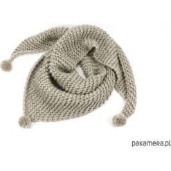 Apaszki damskie: beżowa chusta z pomponami zrobiona na drutach