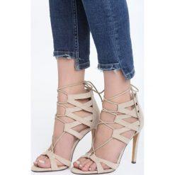 Beżowe Sandały Formidable. Brązowe sandały damskie marki Born2be, w paski, na wysokim obcasie. Za 129,99 zł.