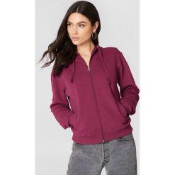 NA-KD Basic Bluza basic z kapturem - Red. Czerwone bluzy rozpinane damskie NA-KD Basic, z kapturem. W wyprzedaży za 50,48 zł.