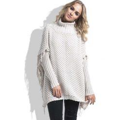 Beżowy Sweter Ponczo z Frędzlami. Brązowe poncza marki Molly.pl, s, z jeansu. Za 168,90 zł.