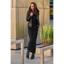 Dresowa sukienka maxi z kapturem czarny. Czarne długie sukienki marki Sinsay, l, z kapturem. Za 159,90 zł.