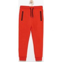 Dresy chłopięce: Spodnie dresowe – Czerwony