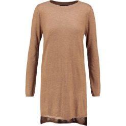 Sukienki dzianinowe: Cortefiel Sukienka dzianinowa beige/camel