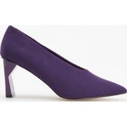 Czółenka na ozdobnym obcasie - Fioletowy. Fioletowe buty ślubne damskie marki Reserved. Za 119,99 zł.