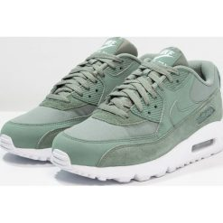 Nike Sportswear AIR MAX 90 ESSENTIAL Tenisówki i Trampki clay green/white. Zielone tenisówki damskie marki Nike Sportswear, z materiału. Za 589,00 zł.