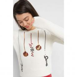 Sweter z cekinowym wzorem. Brązowe swetry klasyczne damskie marki Orsay, xs, z dzianiny, z okrągłym kołnierzem. Za 119,99 zł.