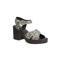 Sandały Vagabond  SANDAŁY  MARVA 4141-101. Czarne sandały trekkingowe damskie marki Vagabond. Za 279,99 zł.