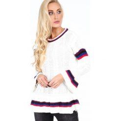 Sweter z falbaną kremowy RR20069. Białe swetry klasyczne damskie Fasardi, l. Za 179,00 zł.