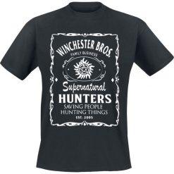 Supernatural Winchester Bros Logo T-Shirt czarny. Czarne t-shirty męskie z nadrukiem Supernatural, l, z okrągłym kołnierzem. Za 74,90 zł.