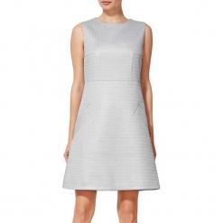 Sukienka w kolorze jasnoszarym. Szare sukienki mini marki BOHOBOCO, z dekoltem na plecach. W wyprzedaży za 829,95 zł.