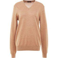 J.LINDEBERG LYMANN TRUE Sweter beige melange. Brązowe swetry klasyczne męskie J.LINDEBERG, l, z materiału. Za 419,00 zł.