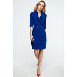 Sukienka żakietowa z paskiem s120. Niebieskie sukienki balowe marki SaF, na co dzień, xl, z żakardem, z asymetrycznym kołnierzem, dopasowane. Za 159,00 zł.