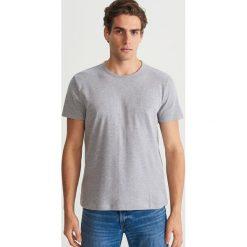 Gładki T-shirt - Jasny szar. Szare t-shirty męskie Reserved, l. Za 49,99 zł.