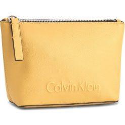 Kosmetyczka CALVIN KLEIN BLACK LABEL - Edge Cosmetic Pouch K60K603938 703. Czarne kosmetyczki męskie marki Calvin Klein Black Label, z materiału. Za 179,00 zł.