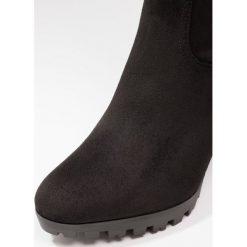 BEBO VERONA Kozaki na obcasie black. Czarne buty zimowe damskie BEBO, z materiału, na obcasie. Za 209,00 zł.