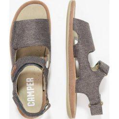 Camper BICHO  Sandały dark grey. Szare sandały chłopięce Camper, z materiału, z otwartym noskiem. W wyprzedaży za 237,30 zł.