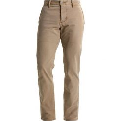 Chinosy męskie: DOCKERS NEW BIC MIST WASH Chinosy new british khaki