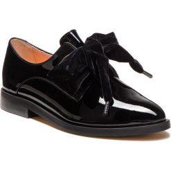 Oxfordy L37 - Blossom B14 Czarny. Czarne jazzówki damskie marki L37, z lakierowanej skóry, na płaskiej podeszwie. W wyprzedaży za 419,00 zł.