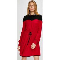 Pinko - Sukienka. Czerwone sukienki mini marki Mohito, l, z weluru. Za 1199,00 zł.