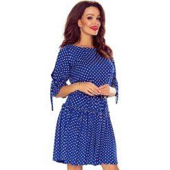 Madra zwiewna sukienka chaber w grochy. Niebieskie sukienki Bergamo, w grochy, z elastanu. Za 209,99 zł.